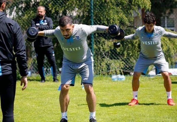 سه تیم یونانی و یک تیم ترکیه ای به دنبال جذب مدافع تیم ملی ایران